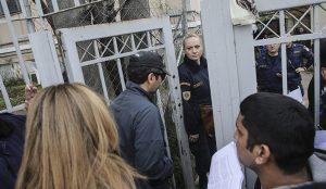 Ελεύθερος κάτω από δρακόντεια μέτρα ο Τούρκος αξιωματικός – Μια «στρατιά» στην φύλαξή του | Pagenews.gr