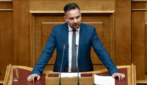 Κατσιαντώνης σε Αποστόλου για φέτα: «Ξύνεται στη γκλίτσα του τσοπάνη… η κυβέρνηση» | Pagenews.gr