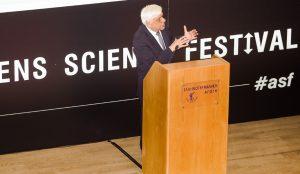 Παυλόπουλος: Η πληροφορία πρέπει να μετατρέπεται σε γνώση και επιστήμη | Pagenews.gr