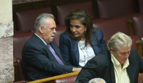 Καυγάς Δραγασάκη με Μπακογιάννη για τον εξωδικαστικό μηχανισμό   Pagenews.gr