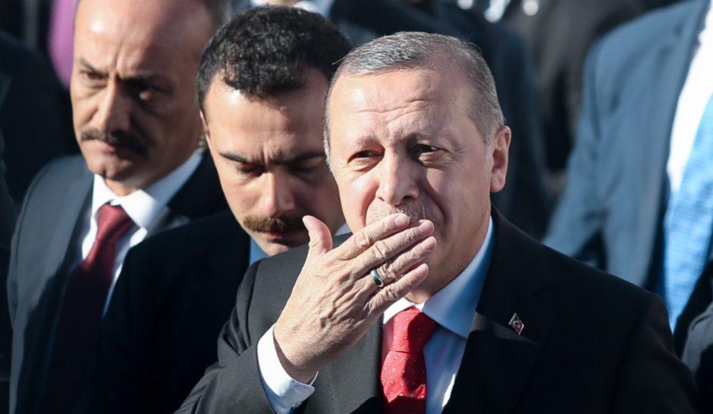 Ερντογάν: Άρχισαν τα συγχαρητήρια – Αυτός του τηλεφώνησε πρώτος | Pagenews.gr
