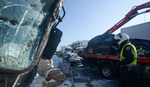 Τραγωδία στον Κηφισό: Δυο νεκροί και μία σοβαρά τραυματίας σε τροχαίο   Pagenews.gr