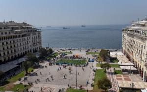 Θεσσαλονίκη: Παραδοσιακή κορεάτικη μουσική στην πλατεία Αριστοτέλους   Pagenews.gr