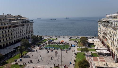 Θεσσαλονίκη: Παραδοσιακή κορεάτικη μουσική στην πλατεία Αριστοτέλους | Pagenews.gr