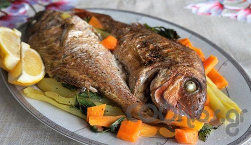 Η συνταγή της Ημέρας: Φαγκρί με λαχανικά στο φούρνο | Pagenews.gr