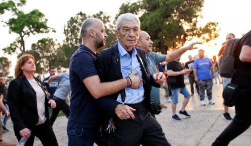 Καταδικαστέα η επίθεση στον Μπουτάρη – Κοντά σε συλλήψεις η ΕΛΑΣ (pics&vid)   Pagenews.gr