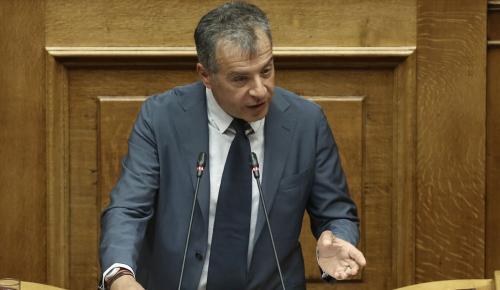 Θεοδωράκης: «Ο νόμος Παρασκευόπουλου βοηθάει τους πλούσιους και δικτυωμένους κρατούμενους» | Pagenews.gr