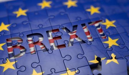 Fitch: Aυξανόμενη η πιθανότητα ενός επιζήμιου Brexit χωρίς συμφωνία | Pagenews.gr