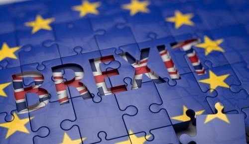 Brexit: Ο Σαλβίνι συμβουλεύει την Μέι – «Κράτα σκληρή στάση» | Pagenews.gr