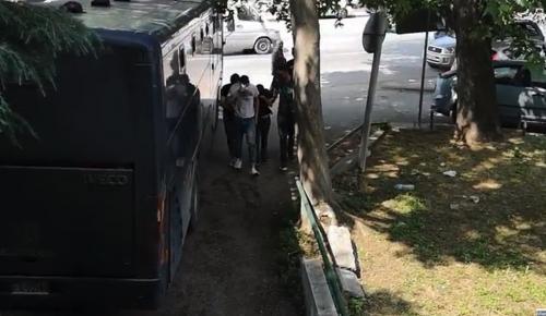 Επίθεση Μπουτάρη: Στα δικαστήρια οι τρεις συλληφθέντες (pics&vids)   Pagenews.gr