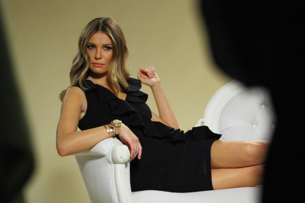 Η γυναικάρα του Σρνα θα «κολάσει» την Τούμπα (pics)   Pagenews.gr