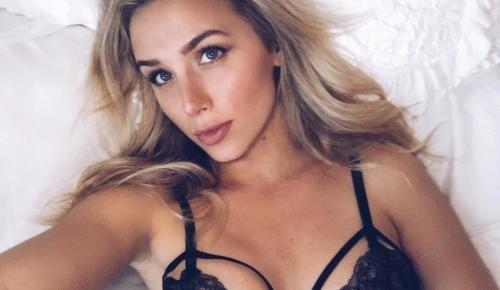 Κάριους: Βρήκε παρηγοριά για τις γκάφες του σε ξανθιά σεξοβόμβα (pics) | Pagenews.gr