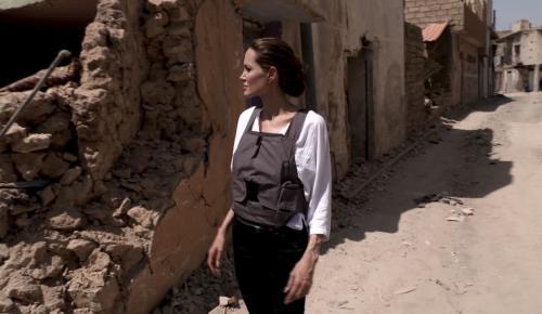 Αντζελίνα Τζολί: Στην πολιορκημένη από τους τζιχαντιστές Μοσούλη (pics&vid) | Pagenews.gr