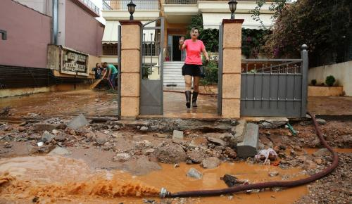 Μάνδρα: Η επόμενη μέρα, λάσπες και καταστροφές (pics) | Pagenews.gr