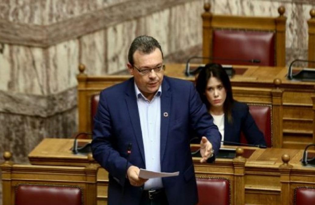 Μεγαλόπολη: Οι εργαζόμενοι της ΔΕΗ προπηλάκισαν τον Φάμελλο | Pagenews.gr