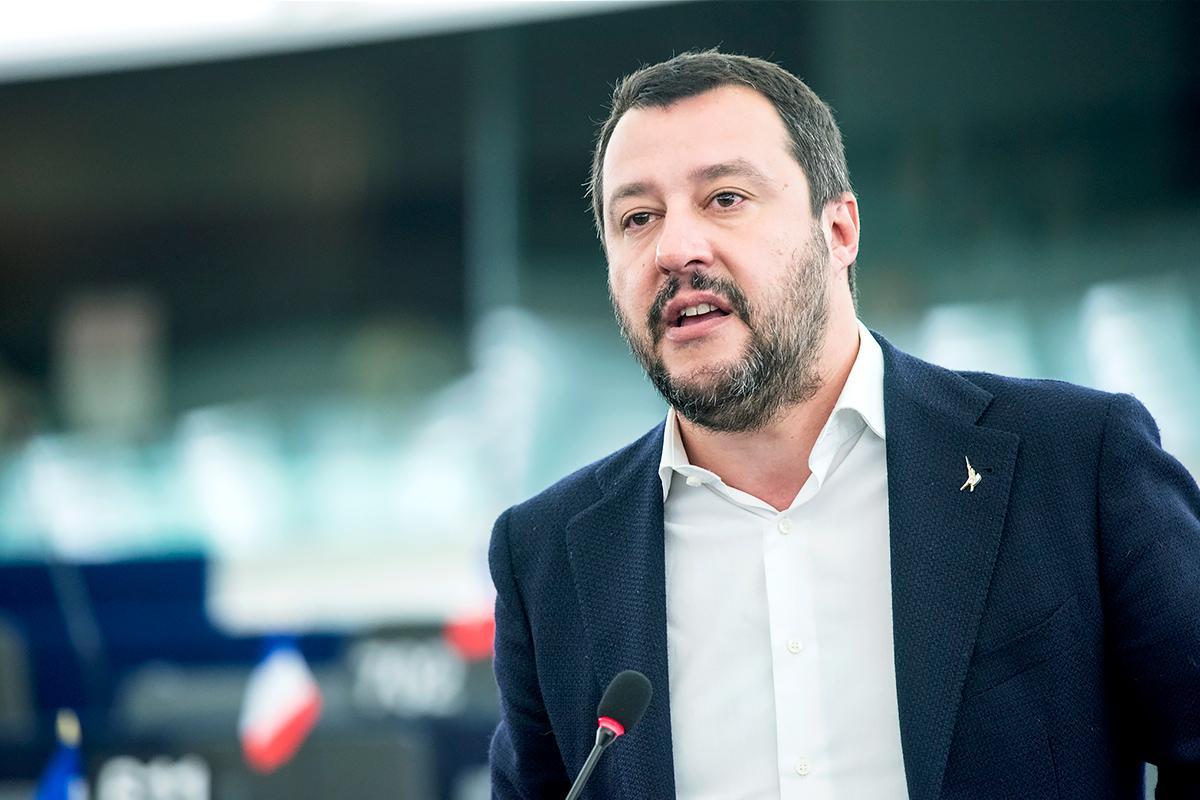 Σαλβίνι: Κατέθεσε μήνυση εναντίον συγγραφέα για συκοφαντική δυσφήμιση | Pagenews.gr