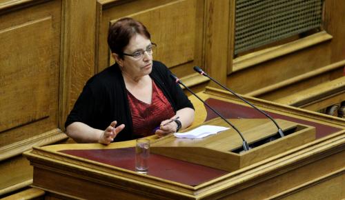 Παπαρήγα για Τσίπρα: «Δεν τον προφυλάσσουν αυτόν τον άνθρωπο να μην λέει ασυναρτησίες»   Pagenews.gr