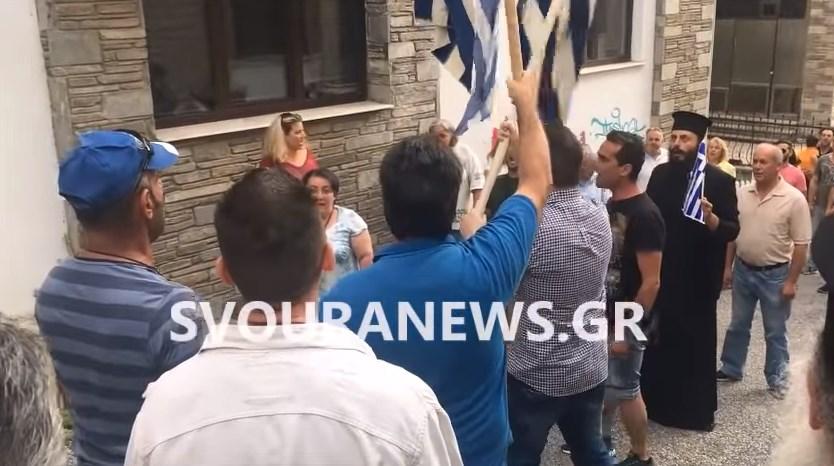 Καστοριά: Αποδοκιμασίες κατά βουλευτή του ΣΥΡΙΖΑ (vid) | Pagenews.gr