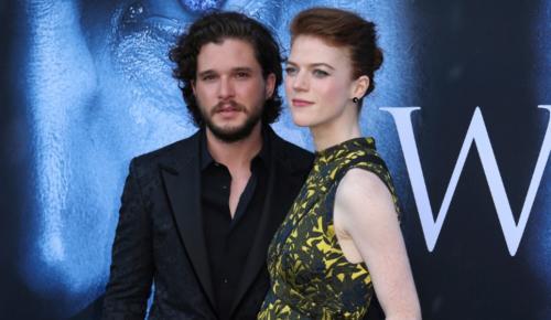 Κιτ Χάρινγκτον – Ρόουζ Λέσλι: Οι σταρ του Game of Thrones παντρεύτηκαν στην Σκωτία   Pagenews.gr