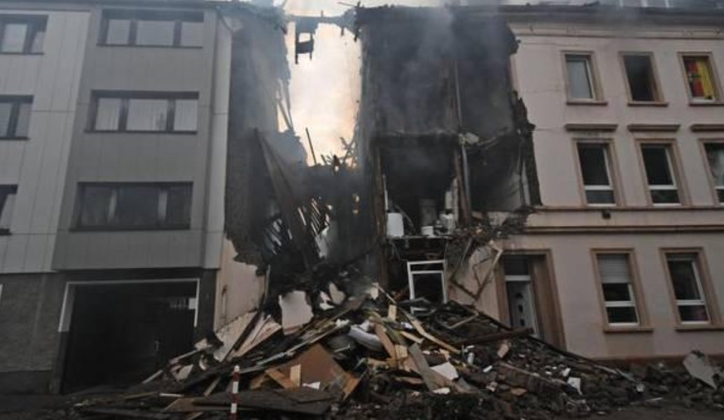 Ισχυρή έκρηξη στο Wuppertal της Γερμανίας – Τουλάχιστον 25 τραυματίες (pics) | Pagenews.gr