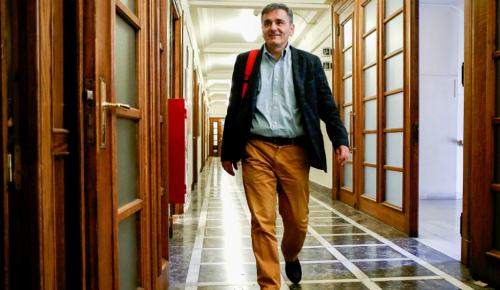 Πολυνομοσχέδιο: Ο Τσακαλώτος υποστηρίζει πως δεν υπάρχουν νέα μέτρα | Pagenews.gr