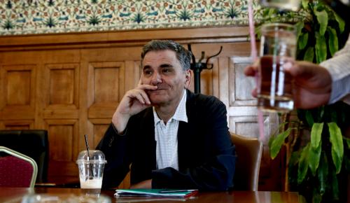 Ενημέρωση Τσακαλώτου στους ΑΝΕΛ: Παραδέχθηκε αυξήσεις στον ΕΝΦΙΑ | Pagenews.gr