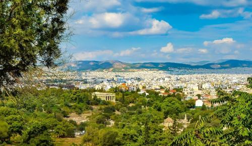 New York Times: Η Αθήνα έχει σημειώσει εξαιρετική άνθηση τα τελευταία χρόνια | Pagenews.gr