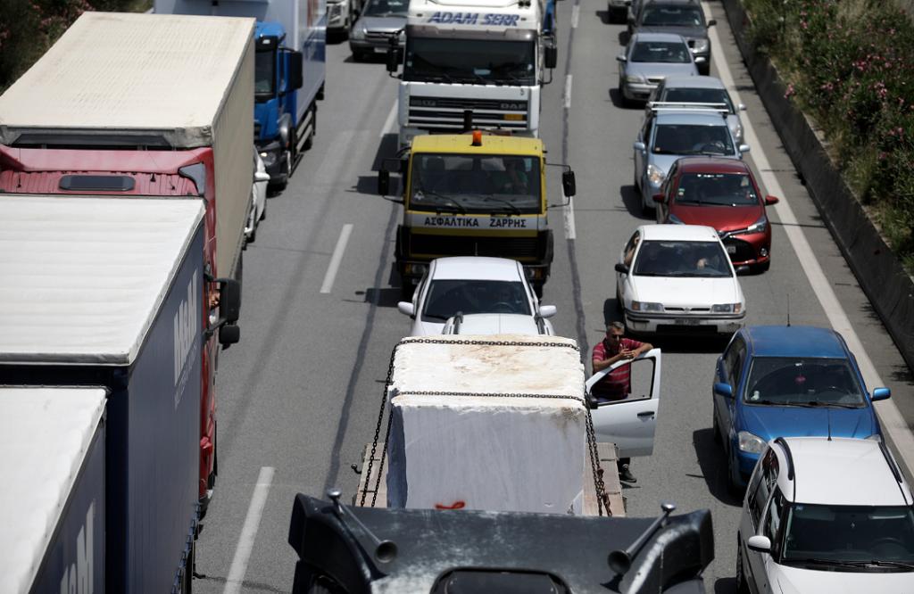 Μποτιλιάρισμα στην Αττική Οδό – Λάδια στο οδόστρωμα | Pagenews.gr