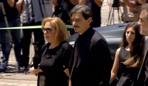Παύλος Γιαννακόπουλος: «Τσακισμένος» ο γιος του Δημήτρης στη Μητρόπολη (pics)   Pagenews.gr