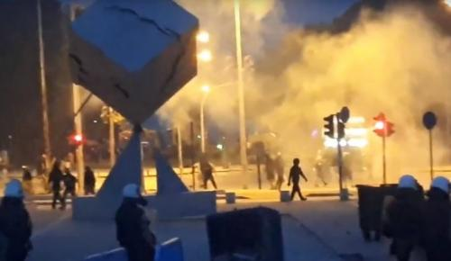 Σκοπιανό: Συνεχίζονται τα επεισόδια στη Θεσσαλονίκη (vid) | Pagenews.gr