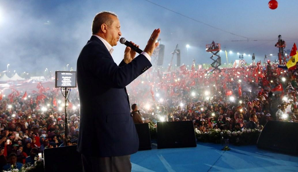 Τουρκία: Με επίκεντρο την Κωνσταντινούπολη, ολοκληρώθηκε η προεκλογική εκστρατεία | Pagenews.gr