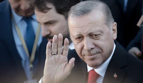 Ορκωμοσία Ερντογάν: Ορκίστηκε «Σουλτάνος» σε μια φιέστα υπερπαραγωγή | Pagenews.gr