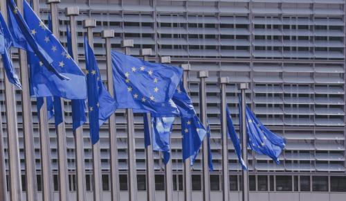 Ευρωπαϊκή Επιτροπή: Ανακοίνωσε δασμούς σε εισαγωγές από τις ΗΠA | Pagenews.gr