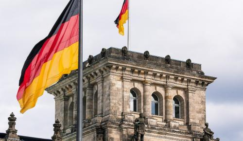 Γερμανία: Σοβαρές εξελίξεις για την κυβέρνηση – «Δηλητήριο» Ζεεχόφερ κατά Μέρκελ   Pagenews.gr