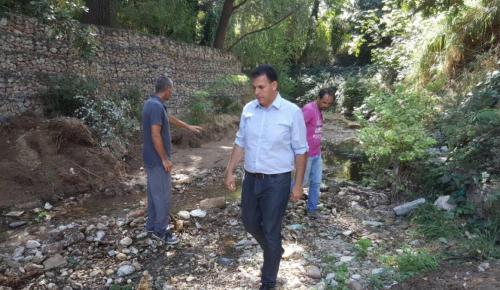 Περιφέρεια Αττικής: Συνεχίζονται οι καθαρισμοί και οι ψεκασμοί ρεμάτων στη βόρεια Αθήνα | Pagenews.gr
