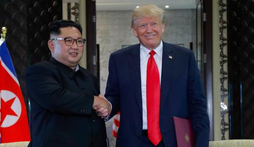Ντόναλντ Τραμπ-Κιμ Γιονγκ Ουν: Τι έφαγαν οι δύο ηγέτες | Pagenews.gr