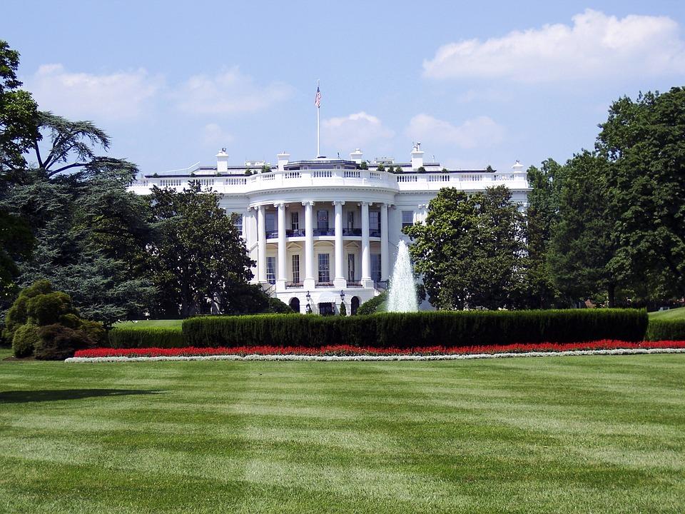 Λευκός Οίκος: Αποδιοργανωμένο το γραφείο επικοινωνίας | Pagenews.gr