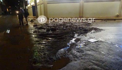 Μάνδρα: Χαμός από τις βροχοπτώσεις – Πλημμύρισαν σπίτια | Pagenews.gr