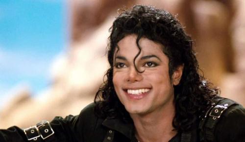 Ακόμα και οι βασιλιάδες πεθαίνουν γυμνοί – 9 χρόνια χωρίς τον Μάικλ Τζάκσον | Pagenews.gr