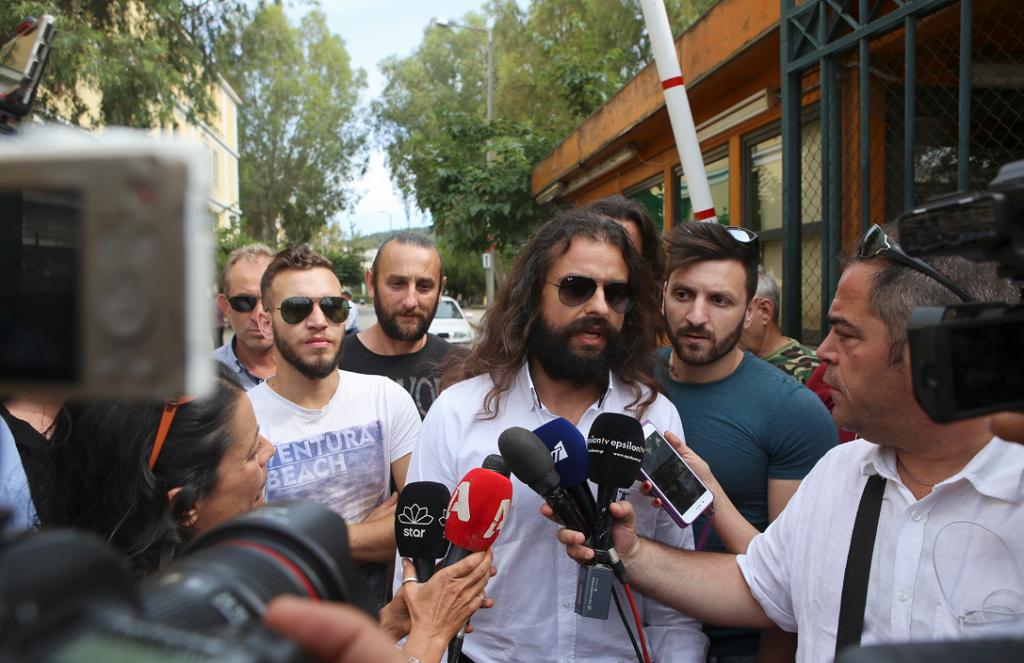 Μπαρμπαρούσης: Αφέθηκε ελεύθερος μετά την απολογία του | Pagenews.gr