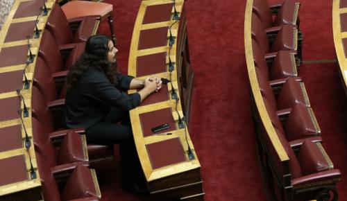 Πρόταση μομφής: Η Χρυσή Αυγή διέγραψε τον Μπαρμπαρούση – Τρέμουν τις συλλήψεις | Pagenews.gr