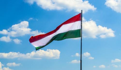 Ουγγαρία: Εγκρίθηκε νομοσχέδιο που ποινικοποιεί την παροχή βοήθειας σε παράτυπους μετανάστες | Pagenews.gr