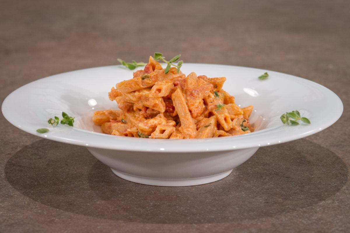 Η συνταγή της ημέρας: Πένες με σάλτσα αματριτσιάνα | Pagenews.gr