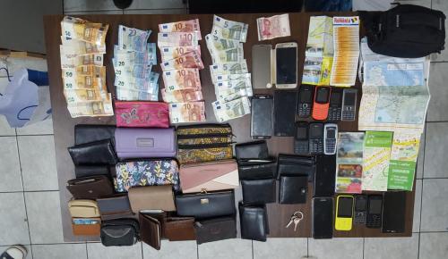 Για 10 χρόνια σπείρα έκλεβε τα πορτοφόλια τουριστών στην Αθήνα (pic&vid) | Pagenews.gr
