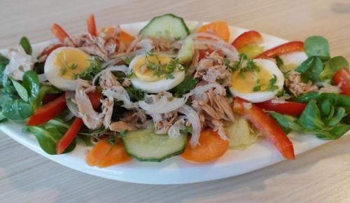 Η συνταγή της ημέρας: Τονοσαλάτα με μαρούλι και κρουτόν | Pagenews.gr