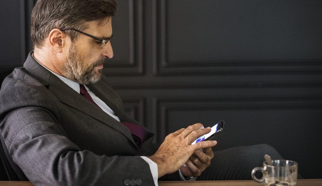 Προσοχή: Νέα απάτη με sms στα κινητά και υπέρογκες χρεώσεις