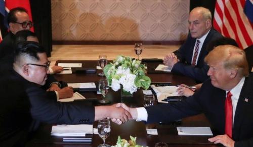 Ντόναλντ Τραμπ: Υπέγραψε ιστορική κοινή συμφωνία με τον Κιμ Γιονγκ Ουν | Pagenews.gr