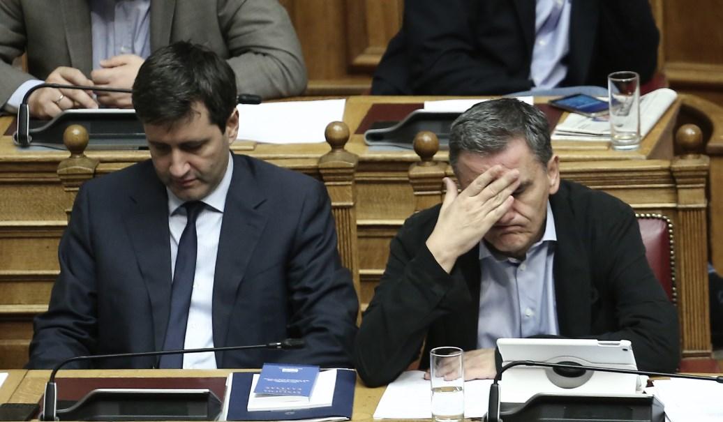 Τεχνικό Μνημόνιο: Οι αλλαγές σε συντάξεις και αφορολόγητο | Pagenews.gr