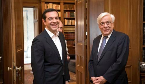 Eurogroup: Ο Τσίπρας ενημερώνει τον Παυλόπουλο για το χρέος | Pagenews.gr