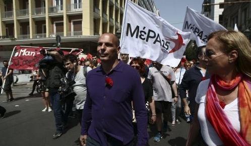 Επίθεση Βαρουφάκη σε Τσίπρα για το mea culpa: «Είναι μνημονιακότερος των μνημονιακών» | Pagenews.gr
